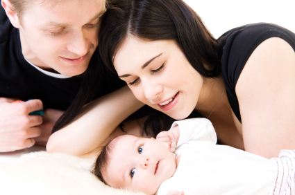 Young_white_couple_with_baby