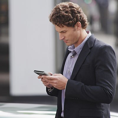man-smart-phone-street-400x400