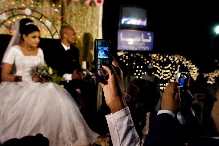 wedding-etiquette-faux-pas-0415-w724