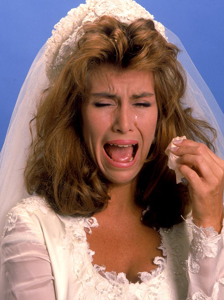 cos-01-sad-crazy-bride-de