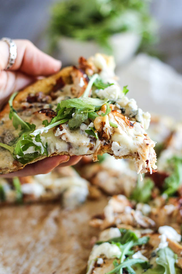 Grilled-Chicken-and-3-Cheeses-Pizza-11