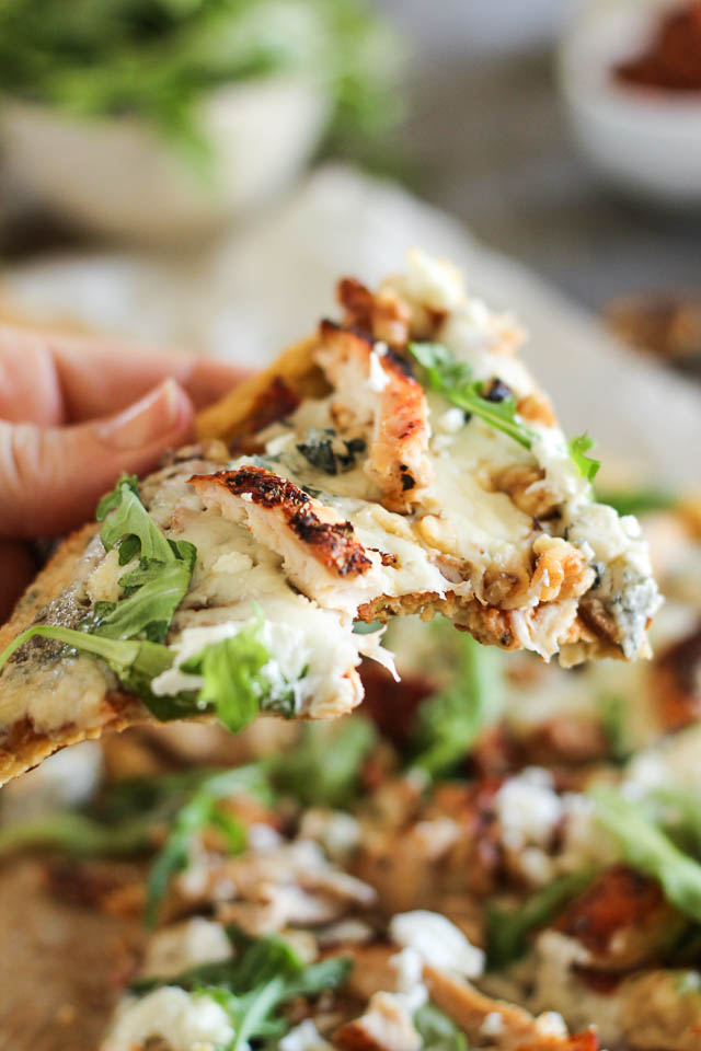 Grilled-Chicken-and-3-Cheeses-Pizza-14