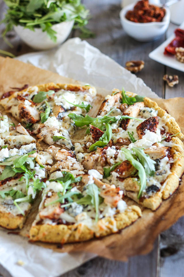 Grilled-Chicken-and-3-Cheeses-Pizza-5