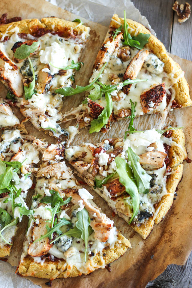 Grilled-Chicken-and-3-Cheeses-Pizza-7